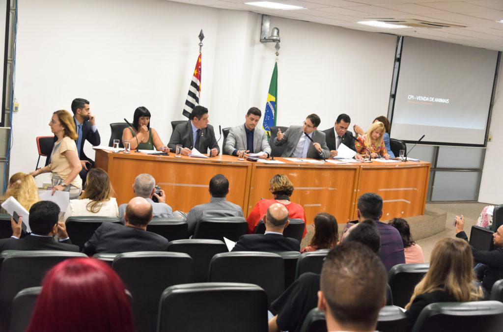 Presidente Bruno Ganem e demais membros da Comissão apresentaram relatório de atividades para público/ Imagem: Maurício Garcia/Alesp